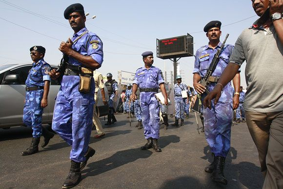 Mourning Mumbai downs shutters for Thackeray