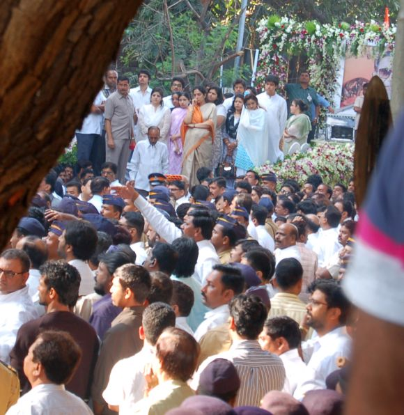 Raj Thackeray's wife Sharmila (second from left on the truck), Uddhav Thackeray's wife Rashmi (fifth from left) and her son Tejas (second from right in white kurta)