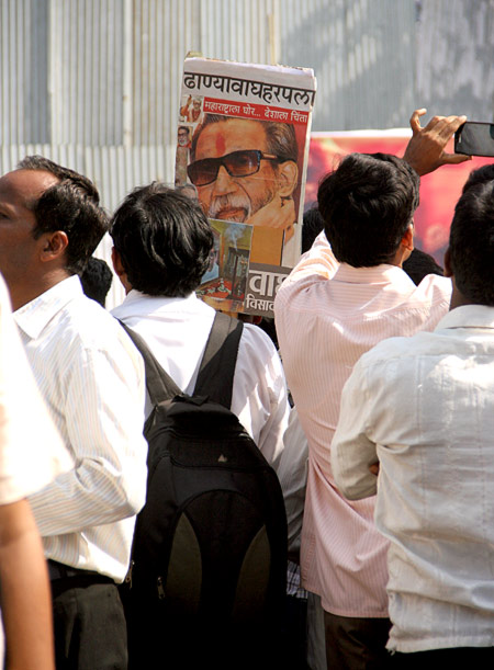 Supremo Thackeray's final stopover at Sena Bhavan