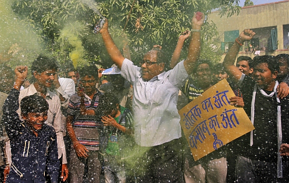 IN PICS: India reacts to Kasab's hanging