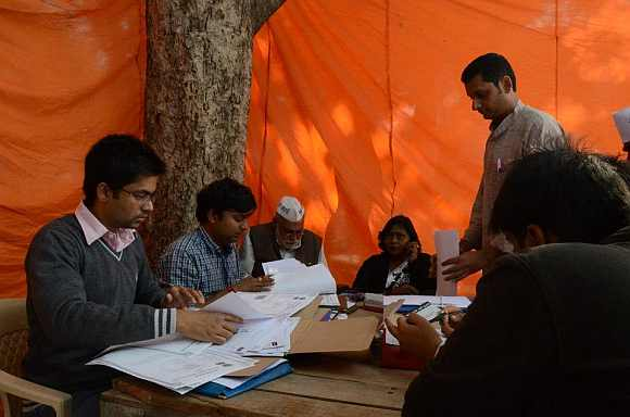 AAP party men collect membership forms at the rally