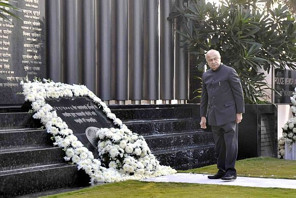Tributes paid to 26/11 martyrs, victims