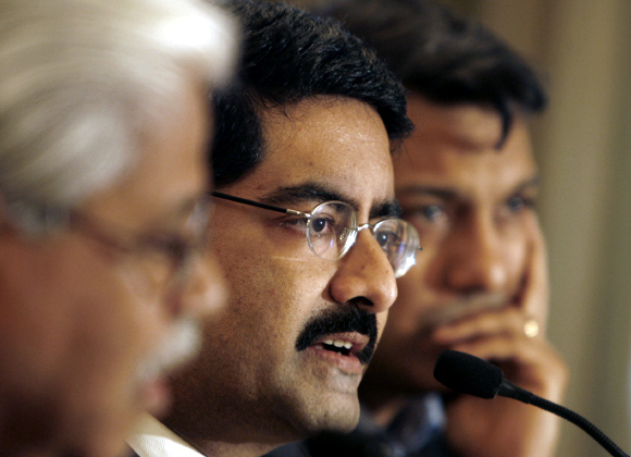Kumar Mangalam Birla (second from left).