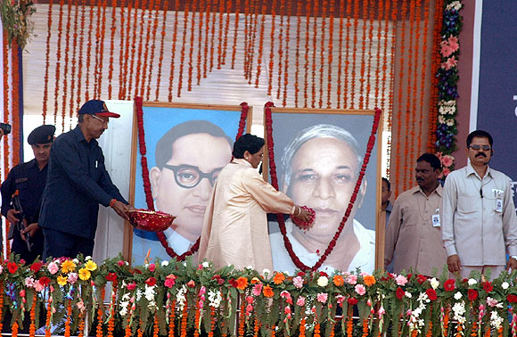 Mayawati pays tribute to BSP founder Kanshi Ram on his death anniversary in Lucknow