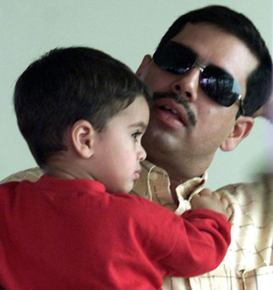 Did Congress jump the gun by defending Vadra?