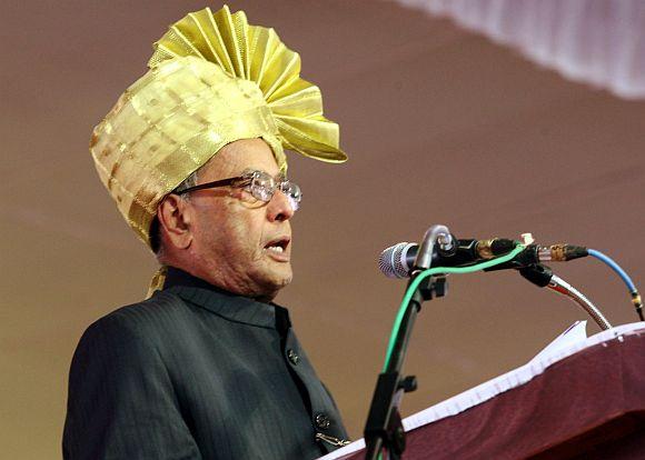 President Pranab addressing at the inauguration of the Suvarna Vidhana Saudha building