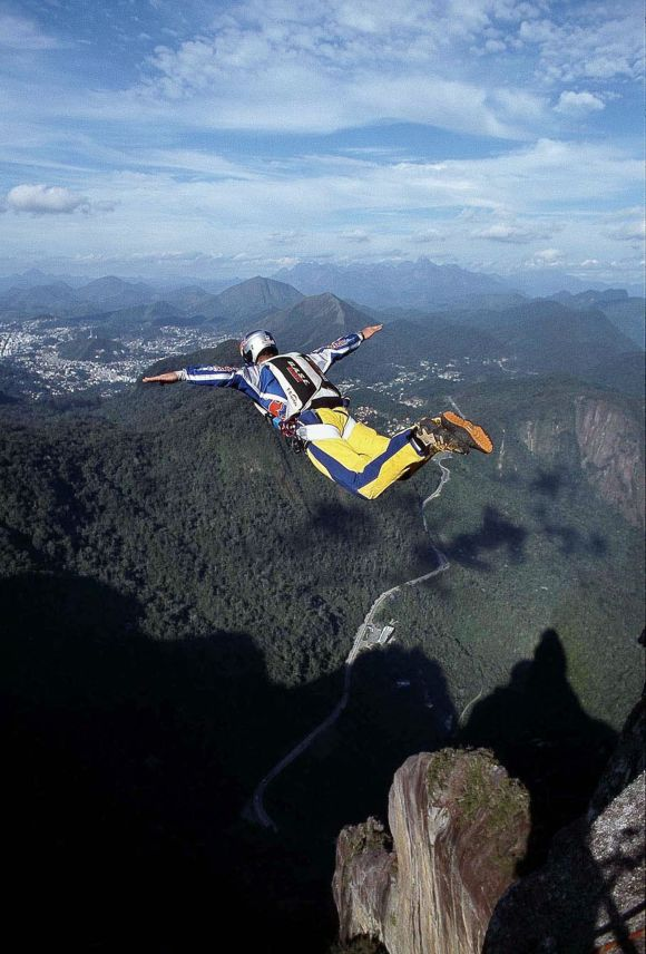 IN PIX: Reaching new heights of daredevilry