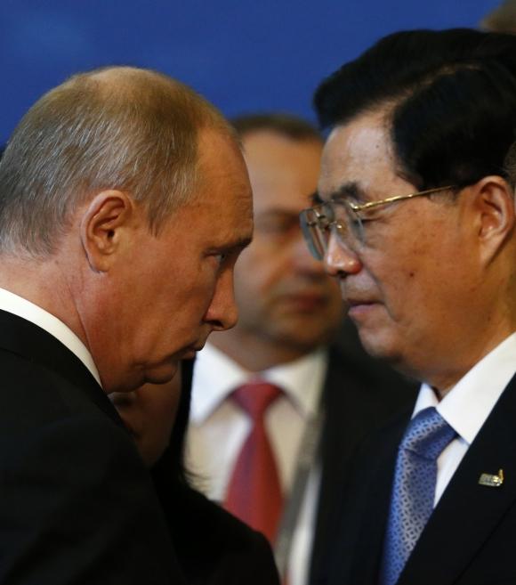 Russia's President Vladimir Putin with China's President Hu Jintao