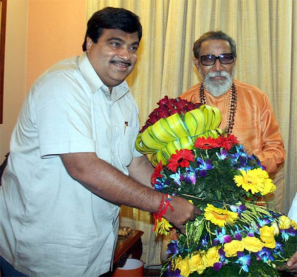 Gadkari with Shiv Sena supremo Bal Thackeray.