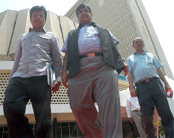 Gadkari outside Mantralaya, Maharashtra's secretariat building.