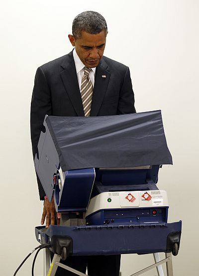 Obama casts his vote