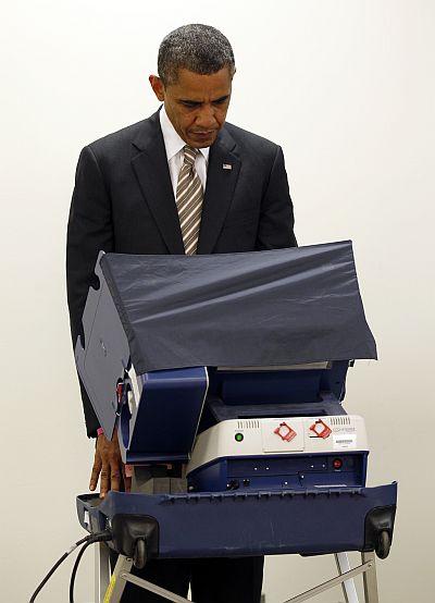 Obama casts his vote