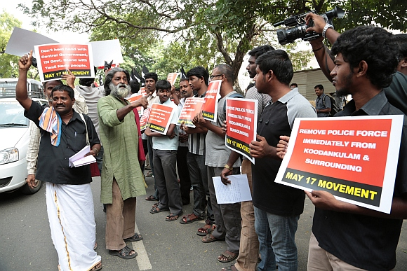 PICS: Vaiko, N-activists detained near TN assembly