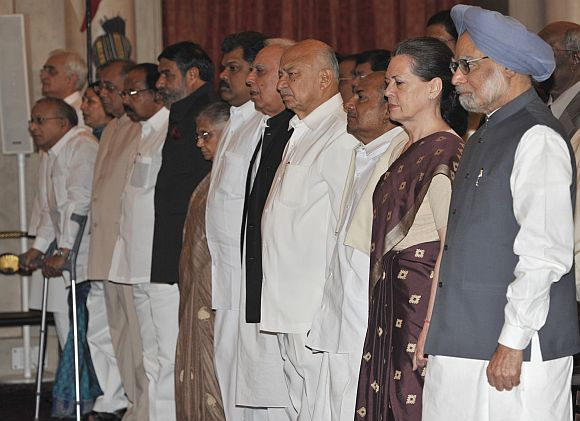 PM, Sonia have shot themselves in the foot