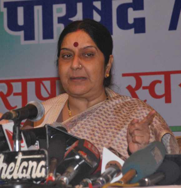 BJP leader Sushma Swaraj addresses the media in Mumbai on the coal issue