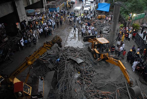 Portion of Mumbai metro bridge collapses, 1 dead, 8 hurt