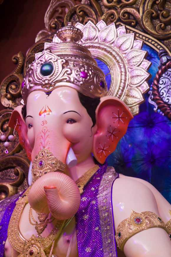 First glimpse of Lalbaugcha Raja