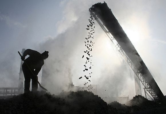 'Sonia's government allotted free coal blocks to many fixers'