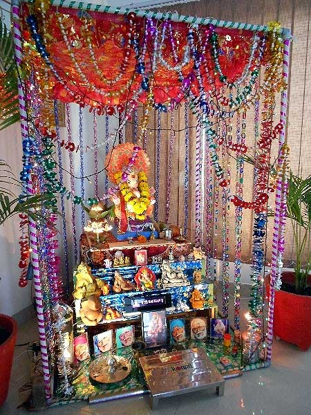 Readers welcome Ganpati at home