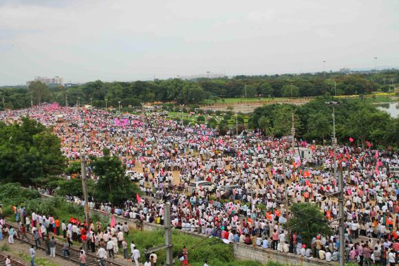 Thousands of Telangana activists gather at Necklace Road in Hyderabad for protest march on Sunday