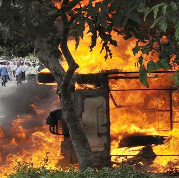 Telangana activists set on fire vehicles in Hyderabad on Sunday
