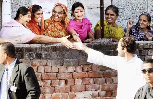 Rahul interacts with his supporters during a campaign in Gujarat