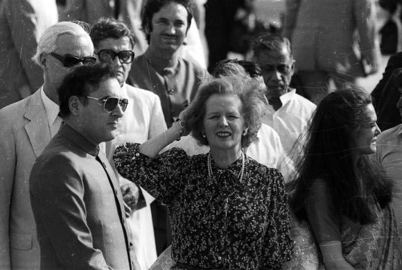 Margaret Thatcher is welcomed at Delhi's international airport by former PM Rajiv Gandhi on April 13, 1985.