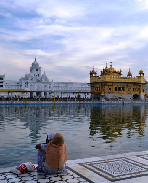 Guru Arjan Dev, the fifth of the ten Sikh gurus: 'I have seen many places, but none like thee'