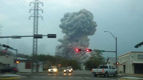 A plume from the blast at Waco, Texas, believed to be from a fertilizer plant