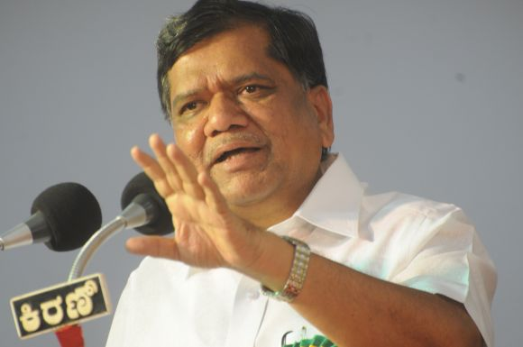 I never looked into various combinations that other parties were trying to forge in order to defeat me, says Shettar