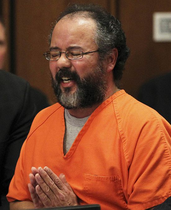 Ariel Castro breaks down while talking about the child that he fathered with Amada Berry as he addresses the court
