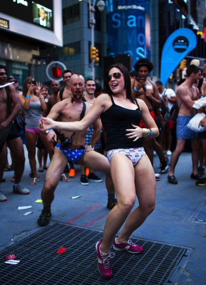 Guinness on their mind, New Yorkers strip down