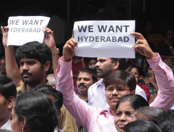 Government workers from Seema-Andhra regions protest against Telangana in Hyderabad