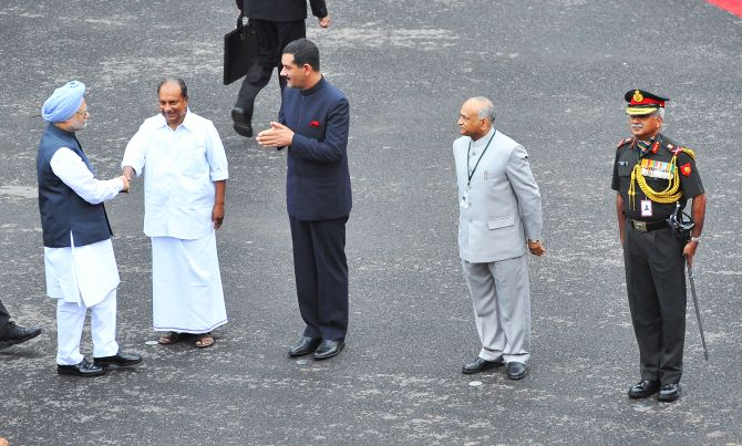 Prime Minister Manmohan Singh being received by the Defence Minister AK Antony on his arrival at Red Fort.