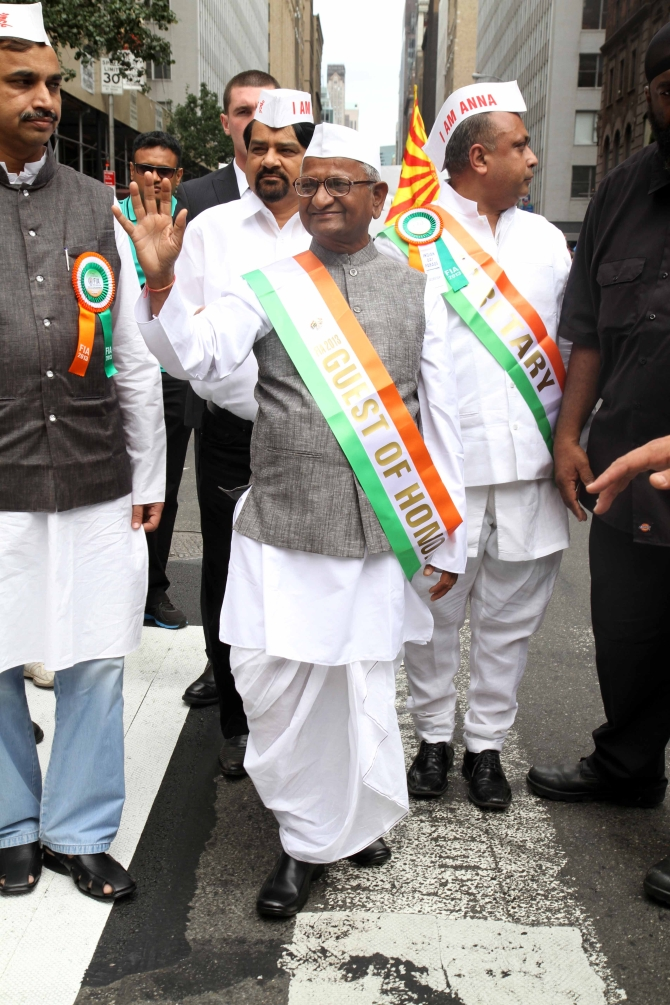 Hazare along with his supporters in Manhattan