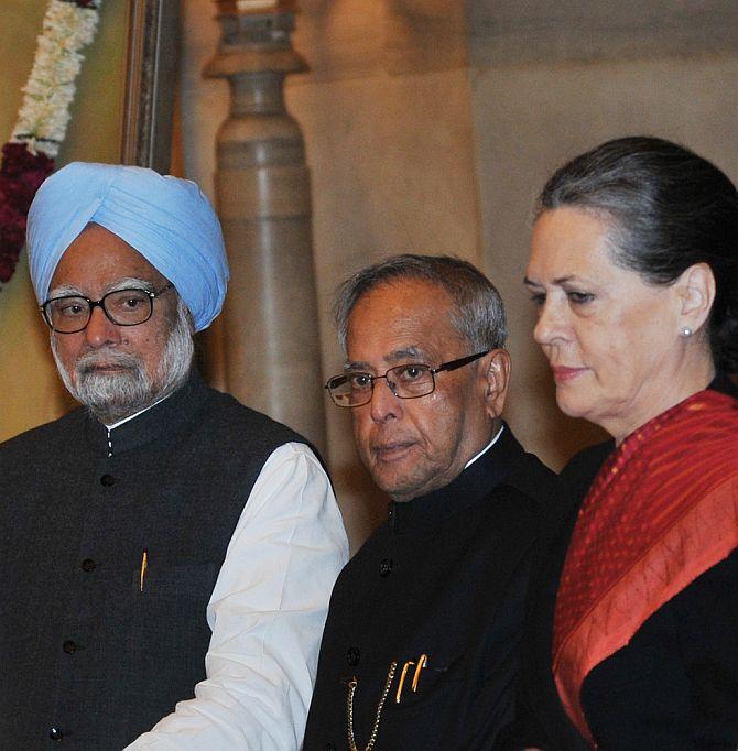 Prime Minister Manmohan Singh and Congress president Sonia Gandhi with President Pranab Mukherjee