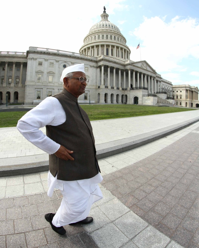 Anna Hazare outside Capitol Hill, Washington DC