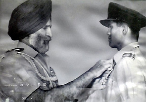 Fighter pilot Dilip K Parulkar receiving the Vayu Medal for the '65 War