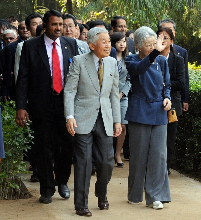 The royals take a walk in Lodhhi Gardens