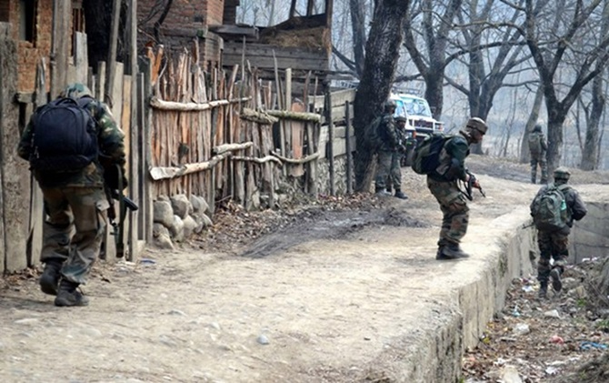 Nightlong gunfight in Kashmir ends, 3 militants killed