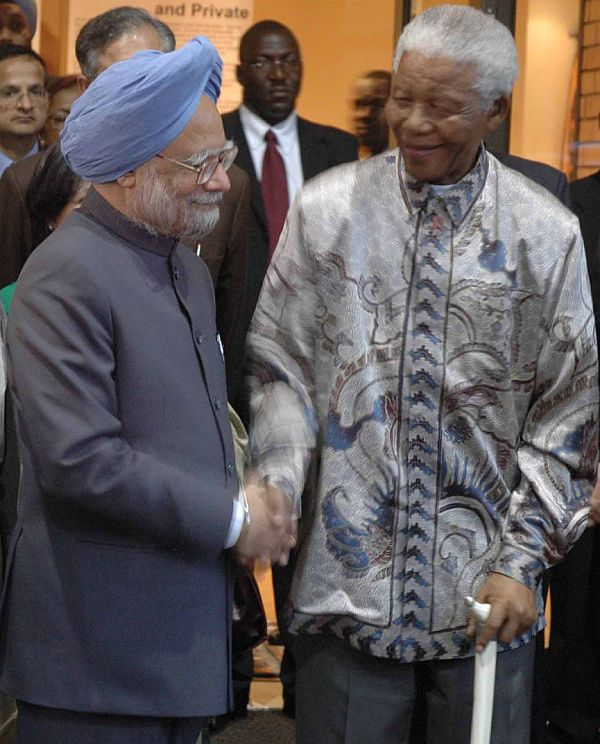 Prime Minister Manmohan Singh with Nelson Mandela in October 2006
