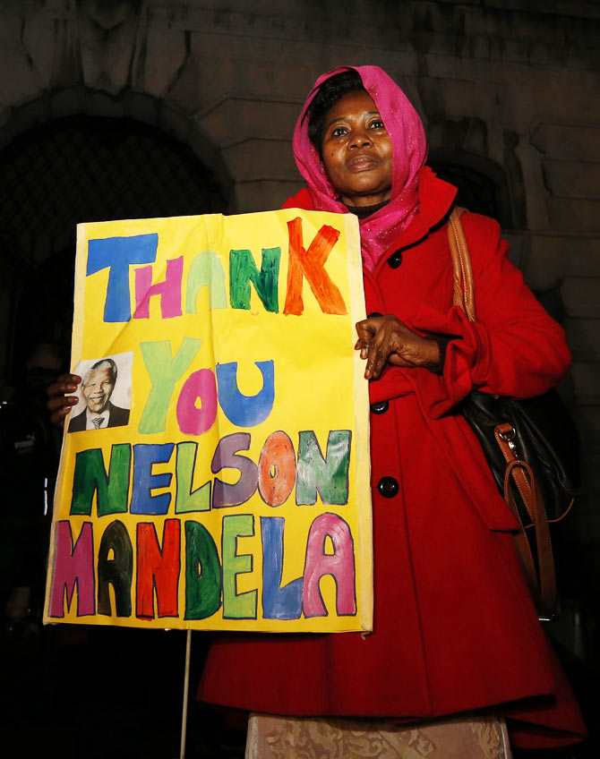 In PHOTOS: World weeps for its darling Madiba