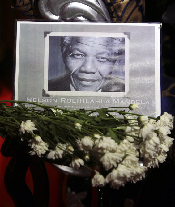 Teary-eyed, the world heads to Mandela's memorial
