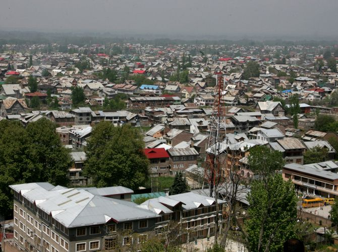 The city of Srinagar is yet to receive any snowfall this season, hampering inflow of tourists.