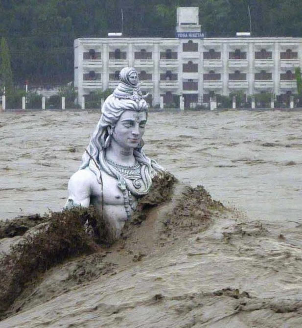 Dwarka peeth Shankaracharya Swami Shree Swaroopananda Saraswati submerged under the raging floods