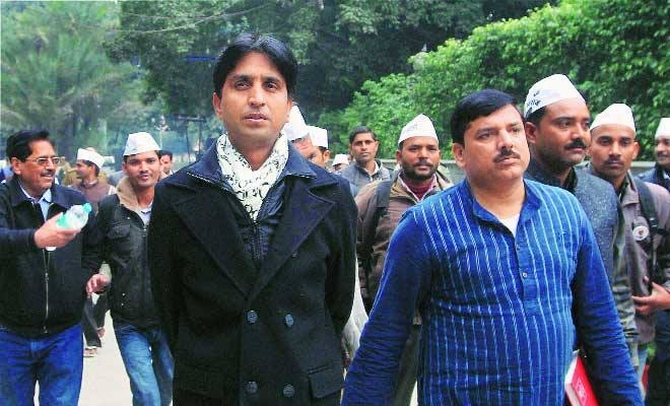 Kumar Vishwas is likely to contest from Amethi in the Lok Sabha polls