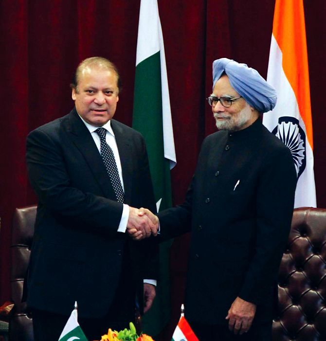 Pakistan Prime Minister Nawaz Sharif and Prime Minister Manmohan Singh in New York, September 2013.