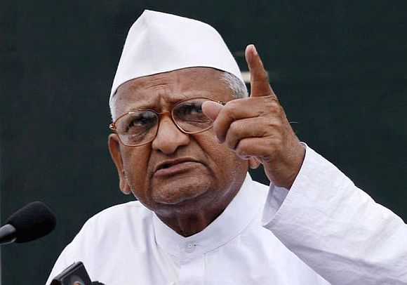 Lokpal Bill: Anna cries betrayal, Opposition sees red