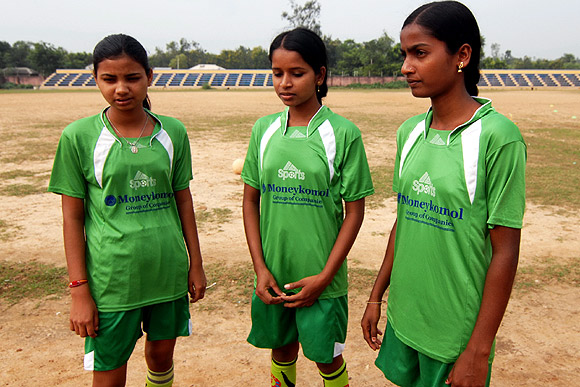 (Left to right) Bobita, Archana and Shyamoli Mahato.