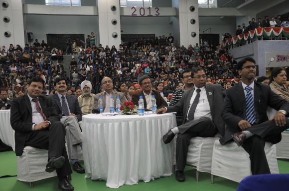 Students and faculty members listen to Gujarat Chief Minister Narendra Mod